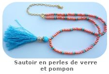 Sautoir en perles de verre et pompon